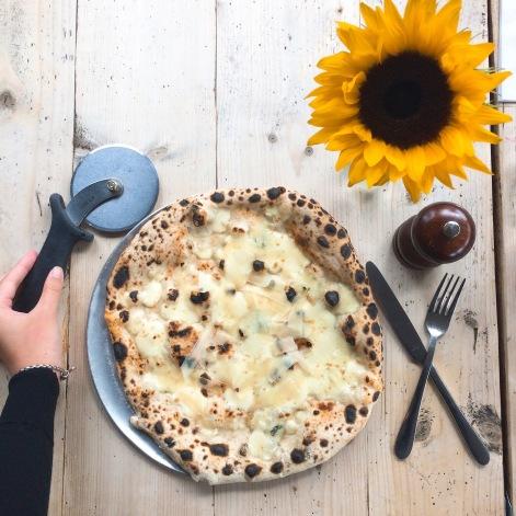 chloe pizza