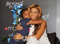 NEW YORK, NY - SEPTEMBER 22: Singer Beyonce Knowles (R) attends the Beyonce Pulse fragrance launch at Macy's Herald Square on September 22, 2011 in New York City. (Photo by Slaven Vlasic/Getty Images)
